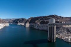 与清楚的天空的胡佛水坝 库存照片