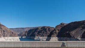 与清楚的天空的胡佛水坝 库存图片