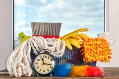 与清洁物品的清洁时间 免版税图库摄影