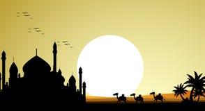 与清真寺和巨型月亮背景的美丽的骆驼旅行剪影 库存例证