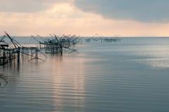 与渔网在talanoi, pattalung泰国的传染性的鱼 图库摄影
