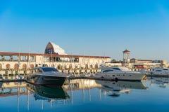 与游艇停车处的海港在多媒体的背景筛选fanzone国际足球联合会-2018 免版税库存图片