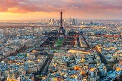 与游览埃菲尔,巴黎,法国的巴黎地平线 免版税库存照片