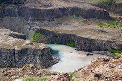 与湖的峡谷 库存图片