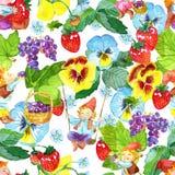 与滑稽的地精、成熟莓果和美丽的庭院的无缝的样式在白色开花 库存图片