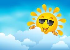 与潜伏的太阳6的多云天空 免版税图库摄影