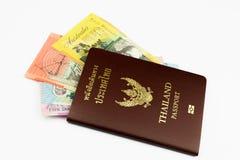 与澳大利亚元的泰国护照 库存图片