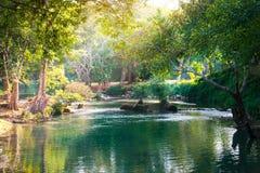 与瀑布的美好的风景图象在Saraburi,泰国 免版税库存照片