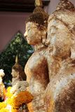 与火焰金子的菩萨图象 免版税图库摄影