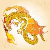 与火的神话龙在织地不很细米黄背景 神话生物系列  免版税库存图片