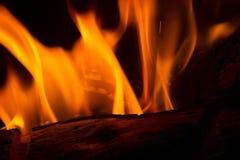 与火花的橙色火焰 免版税库存图片