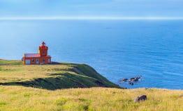与灯塔的北部冰岛海运横向 库存照片