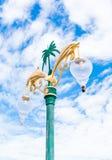 与灯的灯柱 免版税库存照片
