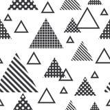 与灰色三角的无缝的样式 库存例证