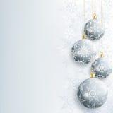 与灰色圣诞节球的美丽的新年和圣诞卡 库存图片