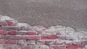 与灰色灰泥的老砖 免版税库存图片