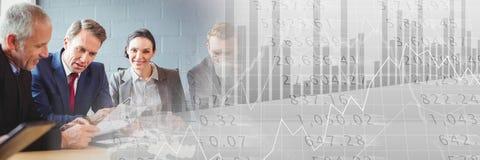 与灰色财务图表转折的业务会议 免版税库存照片