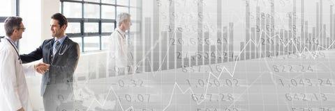 与灰色财务图表转折的医疗业务会议 免版税库存图片