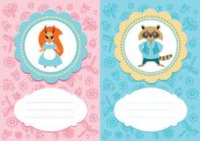 与灰鼠和浣熊的婴孩卡片 免版税库存照片