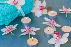 与灼烧的蜡烛的温泉事件 库存照片