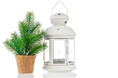 与烛光的圣诞卡和在白色背景的杉树 库存照片