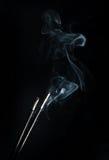 与烟的香火 免版税库存照片