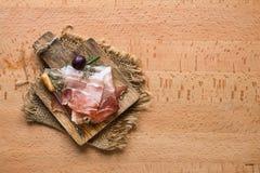 与烟肉斑点的开胃菜快餐 库存图片