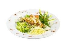 与烤的新鲜蔬菜和鸡的沙拉 免版税库存图片