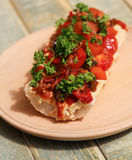 与烤菜和hummus的长方形宝石 免版税库存照片