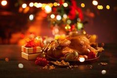 与烤鸡的圣诞节 库存照片