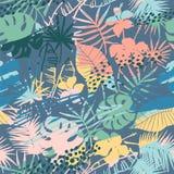 与热带植物和艺术性的背景的无缝的异乎寻常的样式 免版税图库摄影
