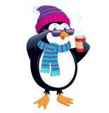 与热的饮料和佩带的太阳镜的企鹅 免版税库存照片