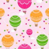 与热空气气球和心脏的背景 免版税图库摄影