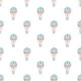 与热空baloons的无缝的样式 背景被画的现有量 也corel凹道例证向量 免版税图库摄影