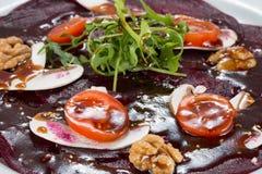与煮沸的菜的蔬菜菜肴 免版税图库摄影