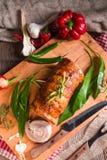 与熊葱属装填的肉肉卷 库存照片