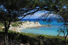 与狂放的海滩的Photoframe在希腊 免版税库存图片