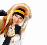与狐狸皮肤的美丽的女孩画象 免版税库存图片