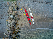 与独木舟的海滩 免版税图库摄影