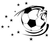 与狮子的足球 免版税库存图片