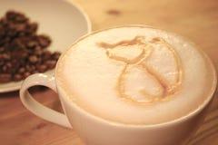 与猫的咖啡馆Latte 库存图片
