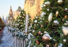 与玩具的圣诞树在红场在莫斯科 库存照片