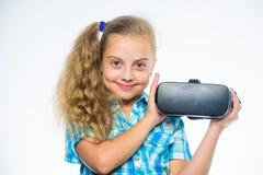 与现代设备的儿童游戏真正比赛 探索真正机会 最新的孩子虚拟现实比赛 少许 图库摄影
