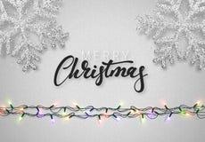 与现实诗歌选和美丽的雪花的圣诞节背景灰色颜色 免版税库存照片
