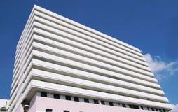 与现代公司architectur的办公楼 免版税库存照片