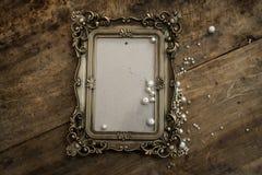 与珍珠的巴洛克式的照片框架 库存图片