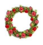 与球、新年和圣诞节装饰的圣诞节花圈 库存例证