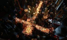 与瓶子的火热的十字架蜂蜜 免版税库存照片
