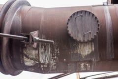 与生锈的管子的工业背景 免版税库存图片