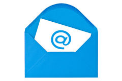 与电子邮件符号的蓝色信包 免版税图库摄影